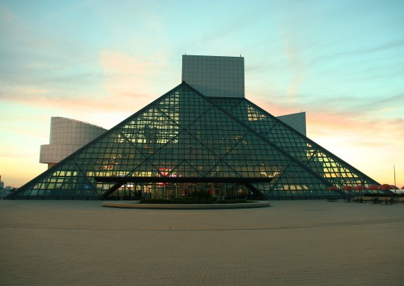cleveland-rock-and-roll-hall-exterior1