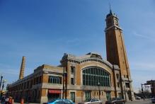 West_Side_Market_Pearl_Entrance_(_02_)